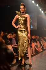 Model walk for Gaurav Gupta Show at LFW 2014 Day 2 in Grand Hyatt, Mumbai on 13th March 2014 (81)_53229bb6afbf0.JPG