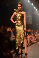 Model walk for Gaurav Gupta Show at LFW 2014 Day 2 in Grand Hyatt, Mumbai on 13th March 2014 (82)_53229bb716925.JPG