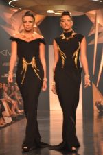 Model walk for Gaurav Gupta Show at LFW 2014 Day 2 in Grand Hyatt, Mumbai on 13th March 2014 (85)_53229bb85d1ce.JPG
