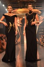 Model walk for Gaurav Gupta Show at LFW 2014 Day 2 in Grand Hyatt, Mumbai on 13th March 2014 (89)_53229bba0f5db.JPG