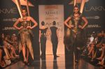 Model walk for Gaurav Gupta Show at LFW 2014 Day 2 in Grand Hyatt, Mumbai on 13th March 2014 (94)_53229bbbd8000.JPG