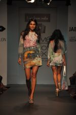 Model walk for Love From India Show at LFW 2014 Day 2 in Grand Hyatt, Mumbai on 13th March 2014 (44)_532268cb18d74.JPG