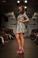 Model walk for Love From India Show at LFW 2014 Day 2 in Grand Hyatt, Mumbai on 13th March 2014 (46)_532268cc16490.JPG