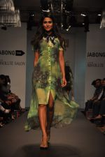 Model walk for Love From India Show at LFW 2014 Day 2 in Grand Hyatt, Mumbai on 13th March 2014 (54)_532268d064348.JPG