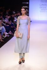 Model walk for Payal Singhal Show at LFW 2014 Day 2 in Grand Hyatt, Mumbai on 13th March 2014 (58)_532267f91a40a.JPG