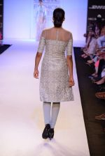 Model walk for Payal Singhal Show at LFW 2014 Day 2 in Grand Hyatt, Mumbai on 13th March 2014 (70)_532267fe97f55.JPG