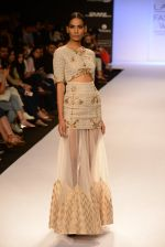 Model walk for Payal Singhal Show at LFW 2014 Day 2 in Grand Hyatt, Mumbai on 13th March 2014 (8)_532267e6af118.JPG