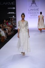 Model walk for Pratima Pandey Show at LFW 2014 Day 3 in Grand Hyatt, Mumbai on 14th March 2014 (102)_5322e3b3457db.JPG