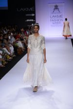 Model walk for Pratima Pandey Show at LFW 2014 Day 3 in Grand Hyatt, Mumbai on 14th March 2014 (103)_5322e3b3a01da.JPG