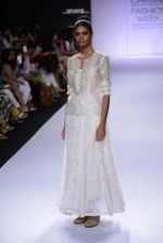 Model walk for Pratima Pandey Show at LFW 2014 Day 3 in Grand Hyatt, Mumbai on 14th March 2014 (104)_5322e3b403925.JPG