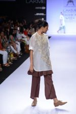 Model walk for Pratima Pandey Show at LFW 2014 Day 3 in Grand Hyatt, Mumbai on 14th March 2014 (12)_5322e38ce183d.JPG