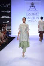 Model walk for Pratima Pandey Show at LFW 2014 Day 3 in Grand Hyatt, Mumbai on 14th March 2014 (13)_5322e38d66749.JPG