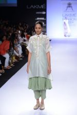 Model walk for Pratima Pandey Show at LFW 2014 Day 3 in Grand Hyatt, Mumbai on 14th March 2014 (16)_5322e38ed11ac.JPG