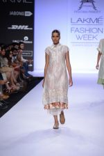 Model walk for Pratima Pandey Show at LFW 2014 Day 3 in Grand Hyatt, Mumbai on 14th March 2014 (17)_5322e38f4ee81.JPG
