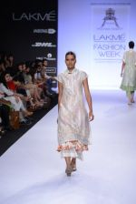 Model walk for Pratima Pandey Show at LFW 2014 Day 3 in Grand Hyatt, Mumbai on 14th March 2014 (18)_5322e38fc3e37.JPG