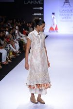 Model walk for Pratima Pandey Show at LFW 2014 Day 3 in Grand Hyatt, Mumbai on 14th March 2014 (20)_5322e390cfa98.JPG
