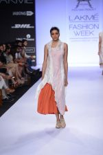 Model walk for Pratima Pandey Show at LFW 2014 Day 3 in Grand Hyatt, Mumbai on 14th March 2014 (22)_5322e391cf8d4.JPG