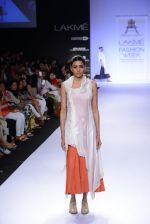 Model walk for Pratima Pandey Show at LFW 2014 Day 3 in Grand Hyatt, Mumbai on 14th March 2014 (24)_5322e392c4bcc.JPG