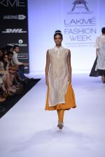 Model walk for Pratima Pandey Show at LFW 2014 Day 3 in Grand Hyatt, Mumbai on 14th March 2014 (29)_5322e39685beb.JPG