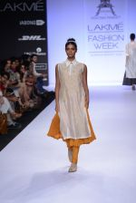 Model walk for Pratima Pandey Show at LFW 2014 Day 3 in Grand Hyatt, Mumbai on 14th March 2014 (30)_5322e396dcfc6.JPG