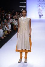 Model walk for Pratima Pandey Show at LFW 2014 Day 3 in Grand Hyatt, Mumbai on 14th March 2014 (33)_5322e39834a4f.JPG