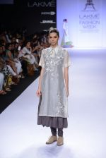 Model walk for Pratima Pandey Show at LFW 2014 Day 3 in Grand Hyatt, Mumbai on 14th March 2014 (36)_5322e39957efe.JPG