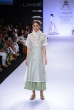 Model walk for Pratima Pandey Show at LFW 2014 Day 3 in Grand Hyatt, Mumbai on 14th March 2014 (40)_5322e39ad786a.JPG