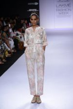 Model walk for Pratima Pandey Show at LFW 2014 Day 3 in Grand Hyatt, Mumbai on 14th March 2014 (48)_5322e39dcba25.JPG