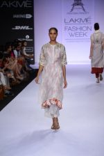 Model walk for Pratima Pandey Show at LFW 2014 Day 3 in Grand Hyatt, Mumbai on 14th March 2014 (71)_5322e3a68dfc3.JPG