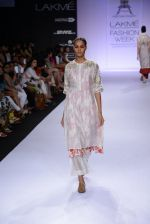 Model walk for Pratima Pandey Show at LFW 2014 Day 3 in Grand Hyatt, Mumbai on 14th March 2014 (72)_5322e3a6e63bc.JPG