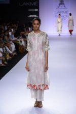 Model walk for Pratima Pandey Show at LFW 2014 Day 3 in Grand Hyatt, Mumbai on 14th March 2014 (75)_5322e3a83cbf1.JPG