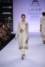 Model walk for Pratima Pandey Show at LFW 2014 Day 3 in Grand Hyatt, Mumbai on 14th March 2014 (76)_5322e3a898682.JPG