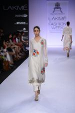 Model walk for Pratima Pandey Show at LFW 2014 Day 3 in Grand Hyatt, Mumbai on 14th March 2014 (77)_5322e3a9043fb.JPG