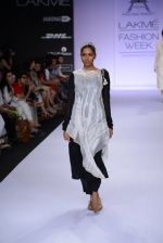 Model walk for Pratima Pandey Show at LFW 2014 Day 3 in Grand Hyatt, Mumbai on 14th March 2014 (83)_5322e3ab817fd.JPG