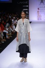 Model walk for Pratima Pandey Show at LFW 2014 Day 3 in Grand Hyatt, Mumbai on 14th March 2014 (88)_5322e3ad8ddcf.JPG
