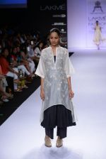 Model walk for Pratima Pandey Show at LFW 2014 Day 3 in Grand Hyatt, Mumbai on 14th March 2014 (90)_5322e3ae50b48.JPG