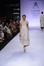 Model walk for Pratima Pandey Show at LFW 2014 Day 3 in Grand Hyatt, Mumbai on 14th March 2014 (92)_5322e3af1f879.JPG