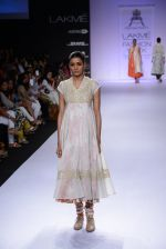 Model walk for Pratima Pandey Show at LFW 2014 Day 3 in Grand Hyatt, Mumbai on 14th March 2014 (93)_5322e3af841e7.JPG