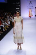 Model walk for Pratima Pandey Show at LFW 2014 Day 3 in Grand Hyatt, Mumbai on 14th March 2014 (94)_5322e3b009268.JPG