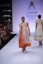 Model walk for Pratima Pandey Show at LFW 2014 Day 3 in Grand Hyatt, Mumbai on 14th March 2014 (96)_5322e3b0bcfe6.JPG