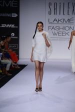 Model walk for Sailex Show at LFW 2014 Day 2 in Grand Hyatt, Mumbai on 13th March 2014 (10)_53229b7fba418.JPG