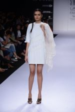 Model walk for Sailex Show at LFW 2014 Day 2 in Grand Hyatt, Mumbai on 13th March 2014 (11)_53229b803a069.JPG