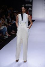 Model walk for Sailex Show at LFW 2014 Day 2 in Grand Hyatt, Mumbai on 13th March 2014 (14)_53229b8168e34.JPG