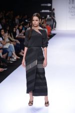 Model walk for Sailex Show at LFW 2014 Day 2 in Grand Hyatt, Mumbai on 13th March 2014 (42)_53229b8e8d82b.JPG