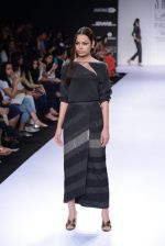 Model walk for Sailex Show at LFW 2014 Day 2 in Grand Hyatt, Mumbai on 13th March 2014 (43)_53229b8f03f40.JPG