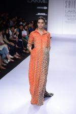 Model walk for Sailex Show at LFW 2014 Day 2 in Grand Hyatt, Mumbai on 13th March 2014 (77)_53229b9d28a22.JPG
