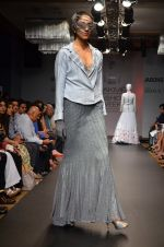 Model walk for Sourabh Kant Srivastava Show at LFW 2014 Day 2 in Grand Hyatt, Mumbai on 13th March 2014 (41)_5322684b1e454.JPG