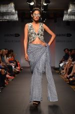 Model walk for Sourabh Kant Srivastava Show at LFW 2014 Day 2 in Grand Hyatt, Mumbai on 13th March 2014 (42)_5322684b9c962.JPG