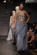 Model walk for Sourabh Kant Srivastava Show at LFW 2014 Day 2 in Grand Hyatt, Mumbai on 13th March 2014 (44)_5322684c8615d.JPG