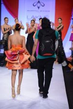 Model walk for Swapnil Shinde Show at LFW 2014 Day 3 in Grand Hyatt, Mumbai on 14th March 2014 (1)_5322e3a660c23.JPG